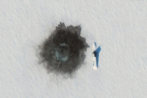 Image satellite montrant un sous-marin de missile balistique nucléaire russe Delta IV près de l'île d'Alexandra, dans l'Arctique, le 27 mars 2021.