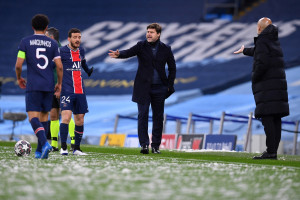 Mauricio Pochettino etn les Parisiens à l'Etihad Stadium de Manchester le 4 mai 2021