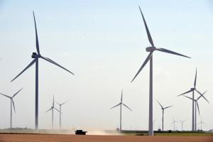 Des éoliennes dans le centre de la France en juillet 2020