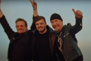 "Bono, Martin Garrix et The Edge dans ""We Are The People"""