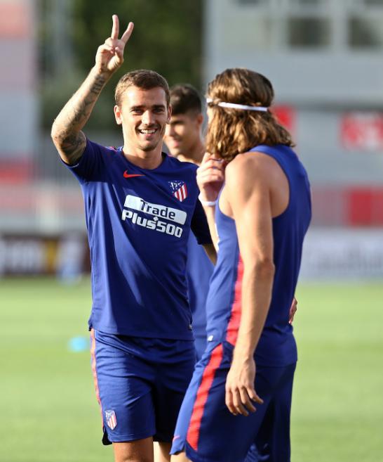 Antoine Griezmann est tout sourire pour son retour à l'entraînement sous les couleurs madrilènes