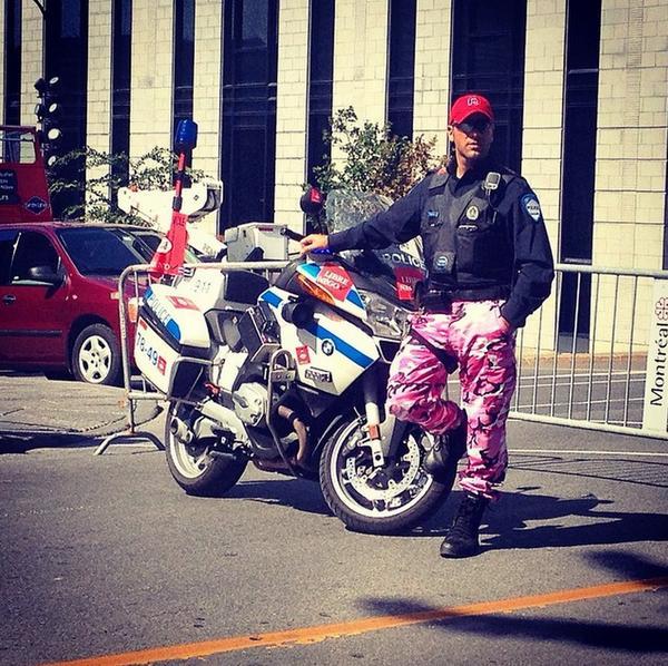 Chez les policiers à moto,