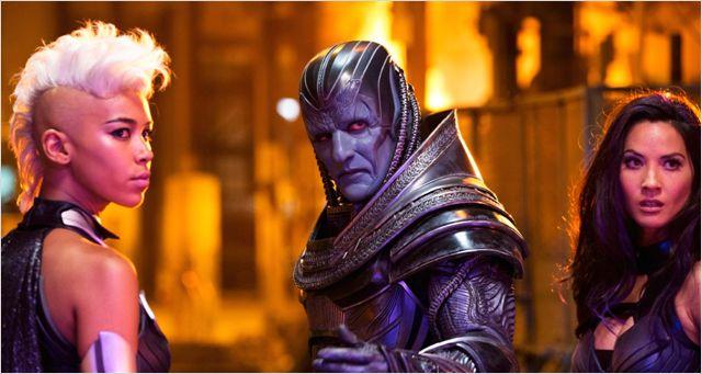 La team méchants : Tornade (Alexandra Shipp), Apocalpyse (Oscar Isaac) et Psylocke (Olivia Munn)