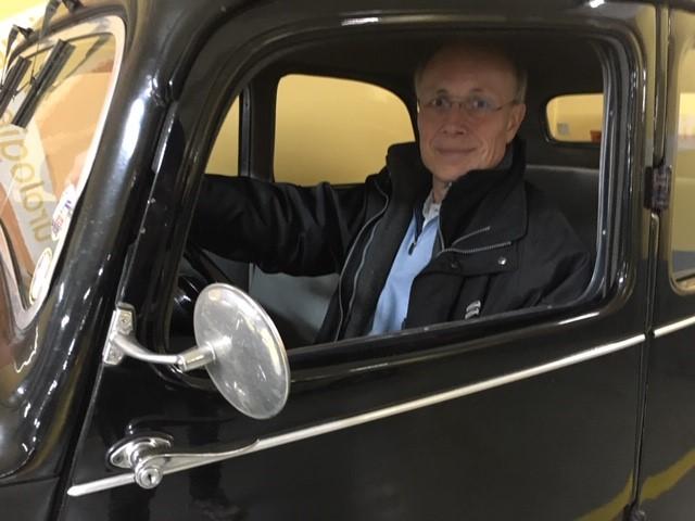 Jean-Louis au volant de sa Traction Avant