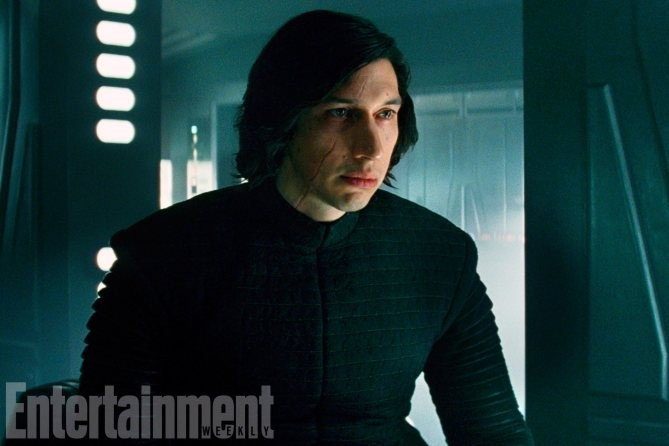Kylo Ren et sa cicatrice, souvenir de son combat au sabre laser contre Rey