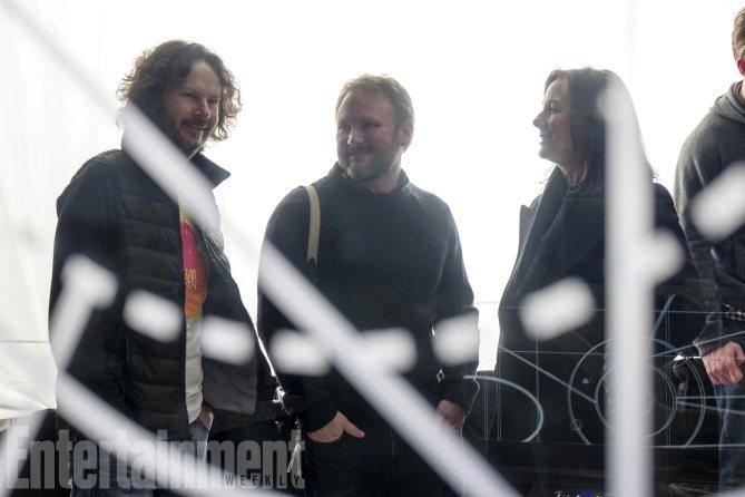 Le producteur Ram Bergman, le réalisateur Rian Johnson et Kathleen Kennedy, la présidente de LucasFilm