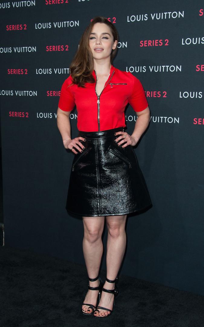 Emilia Clarke à un défilé Vuitton