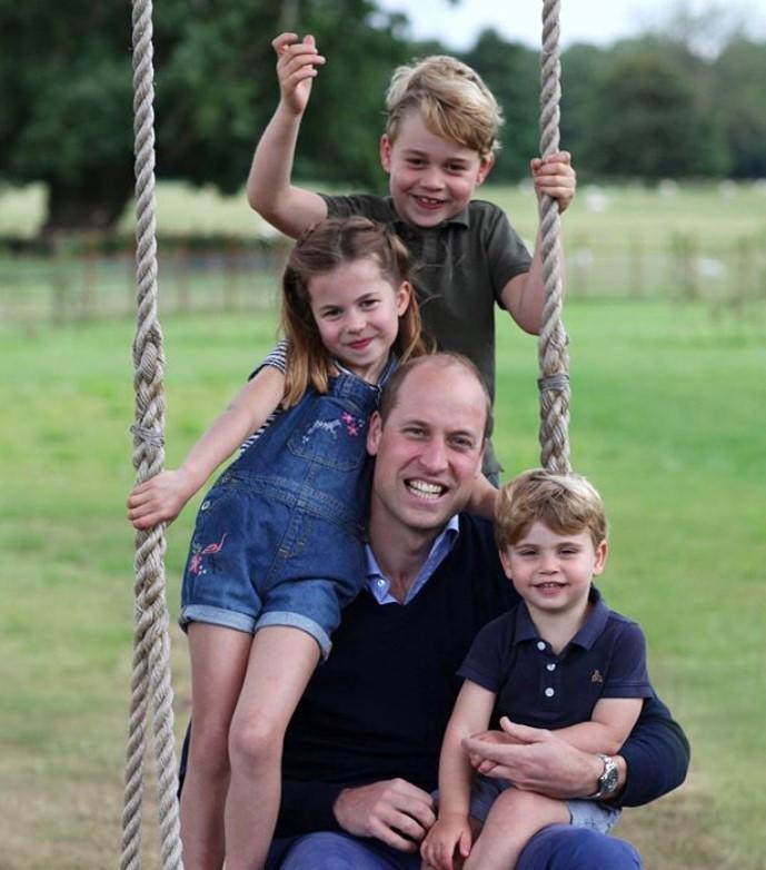 En 2020, avec la princesse Charlotte, le prince Louis et leur père William
