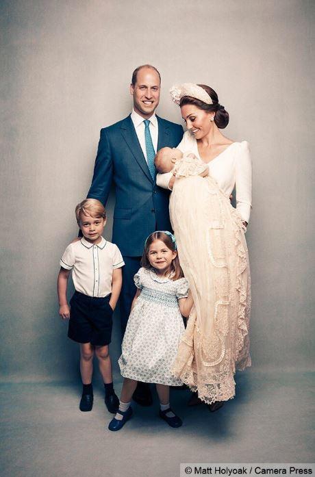 Le prince William, accompagné de sa femme Kate Middleton et de leurs enfants : le prince George de Cambridge, la princesse Charlotte et le prince Louis