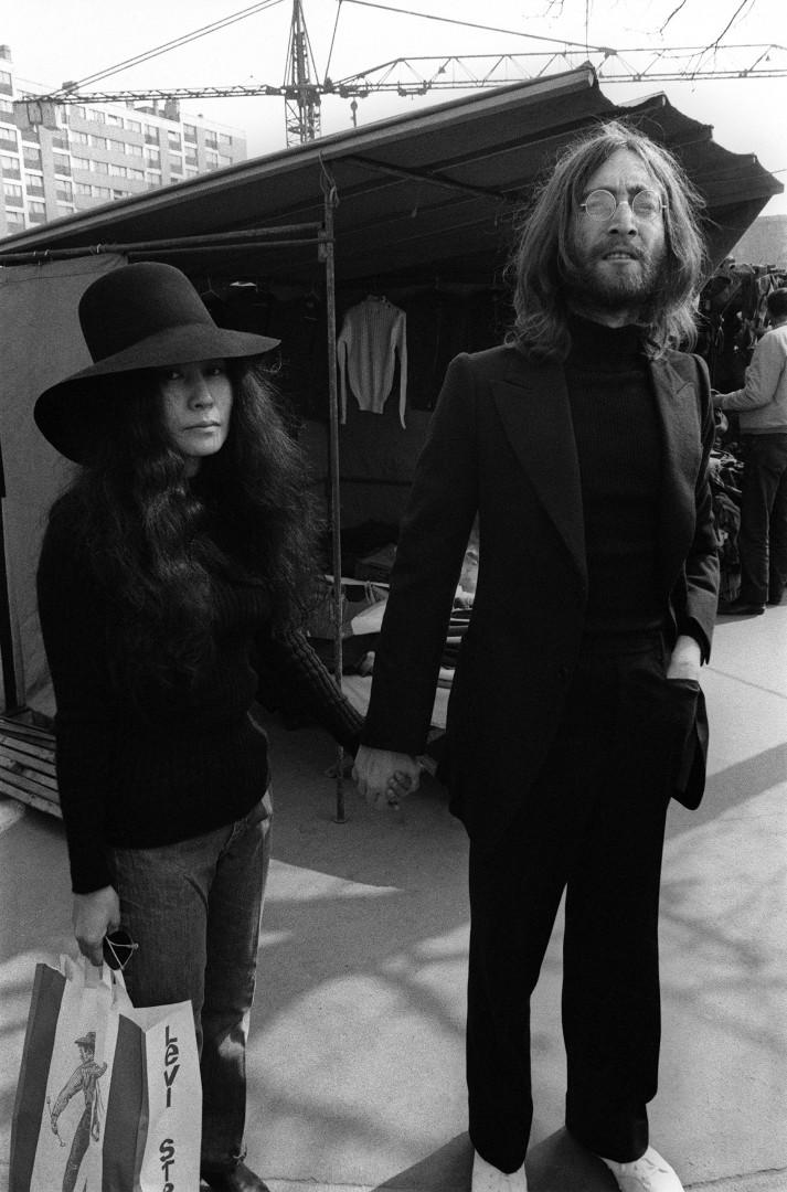 Difficile de ne pas voir un air de ressemblance entre Sean Lennon et ses parents, John Lennon et Yoko Ono