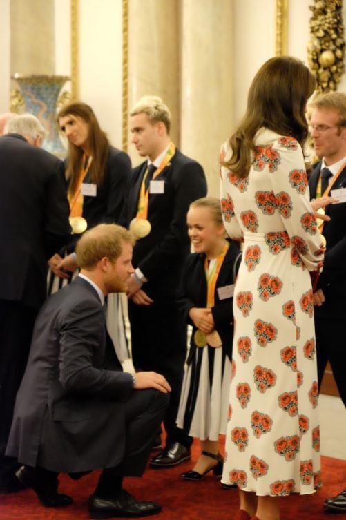 L'athlète médaillée d'or a aussi discuter avec le prince Harry
