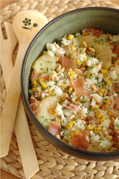 Salade de riz aux pamplemousses, pignons et jambon cru