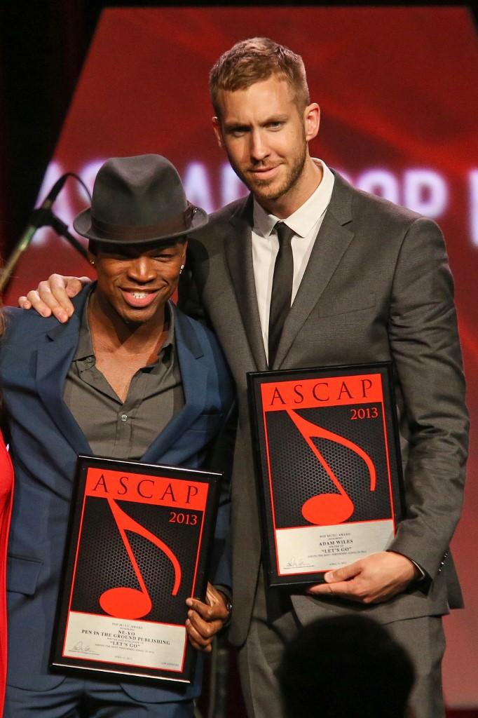 Ne-Yo et Calvin Harris lors de la 30ème cérémonie des Pop Music Awards au Loews Hollywood Hotel.