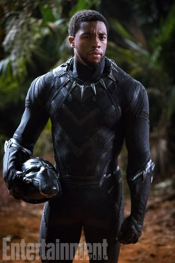 T'Challa révèle-t-il son identité de Black Panther ?