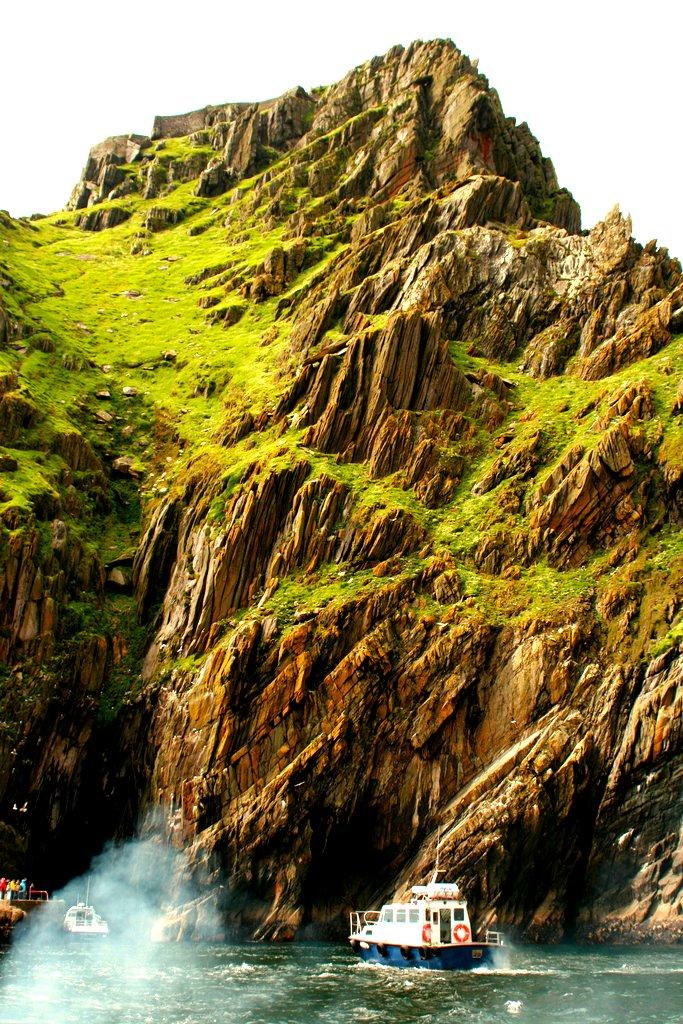 C'est sûr Skellig Michael, une île irlandaise, que se déroule le dernier plan du film