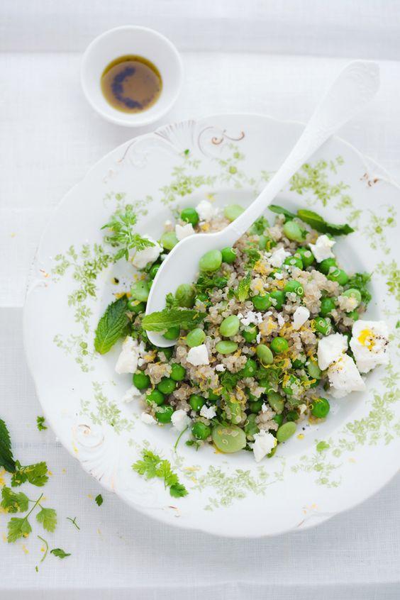 Quinoa, petits pois, fèves, menthe et oeufs durs