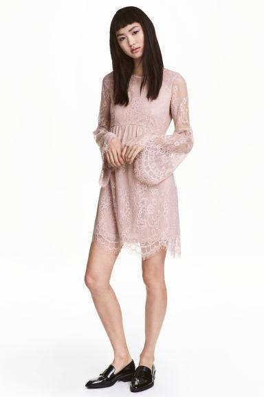 Robe en dentelle (H&M - 34,99 euros)