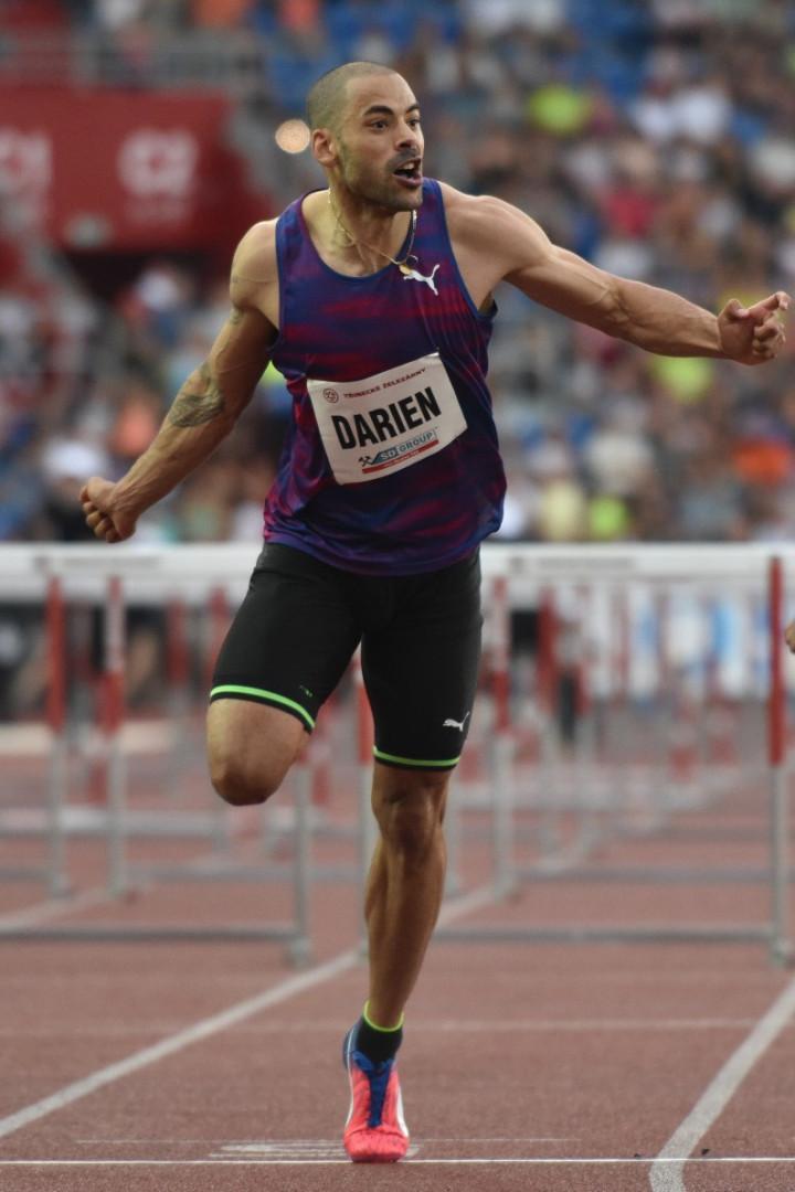 Garfield Darien fait partie des espoirs de médaille tricolore en 110 mètres haies. Le Lyonnais a battu son record personnel de six centièmes fin juin (13''09).