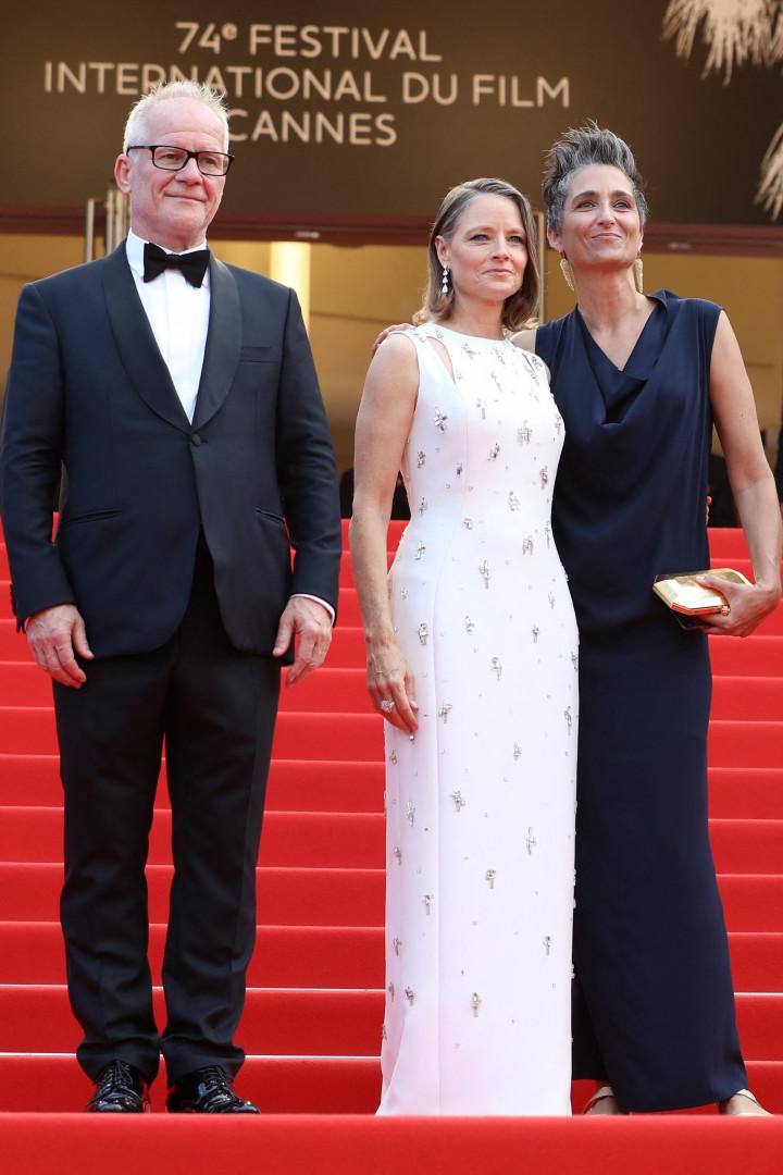 Jodie Foster et son épouse, la photographe  Alexandra Hedison accompagnées par Thierry Fremaux