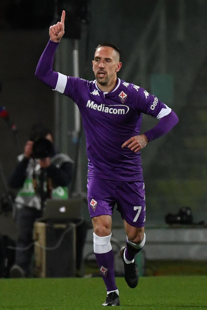 Franck Ribéry n'a pas été prolongé par la Fiorentina mais a exprimé son souhait de rester en Italie.