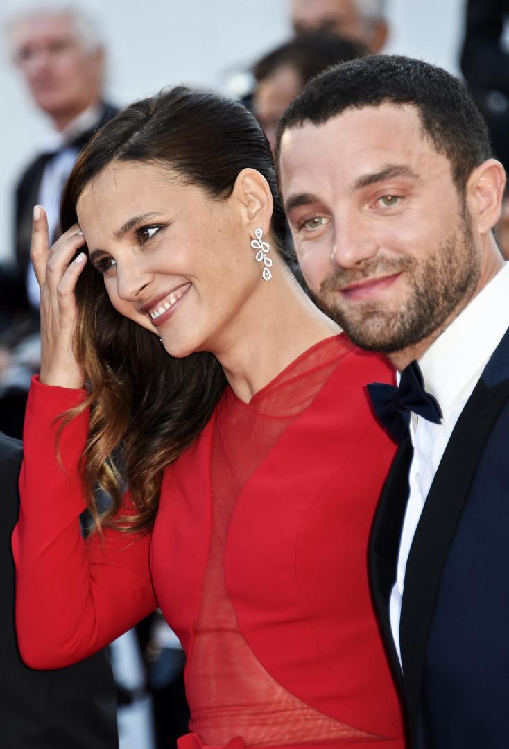 """Virginie Ledoyen et Guillaume Gouix à Cannes pour la projection du film """"Enragés"""" le 18 mai"""