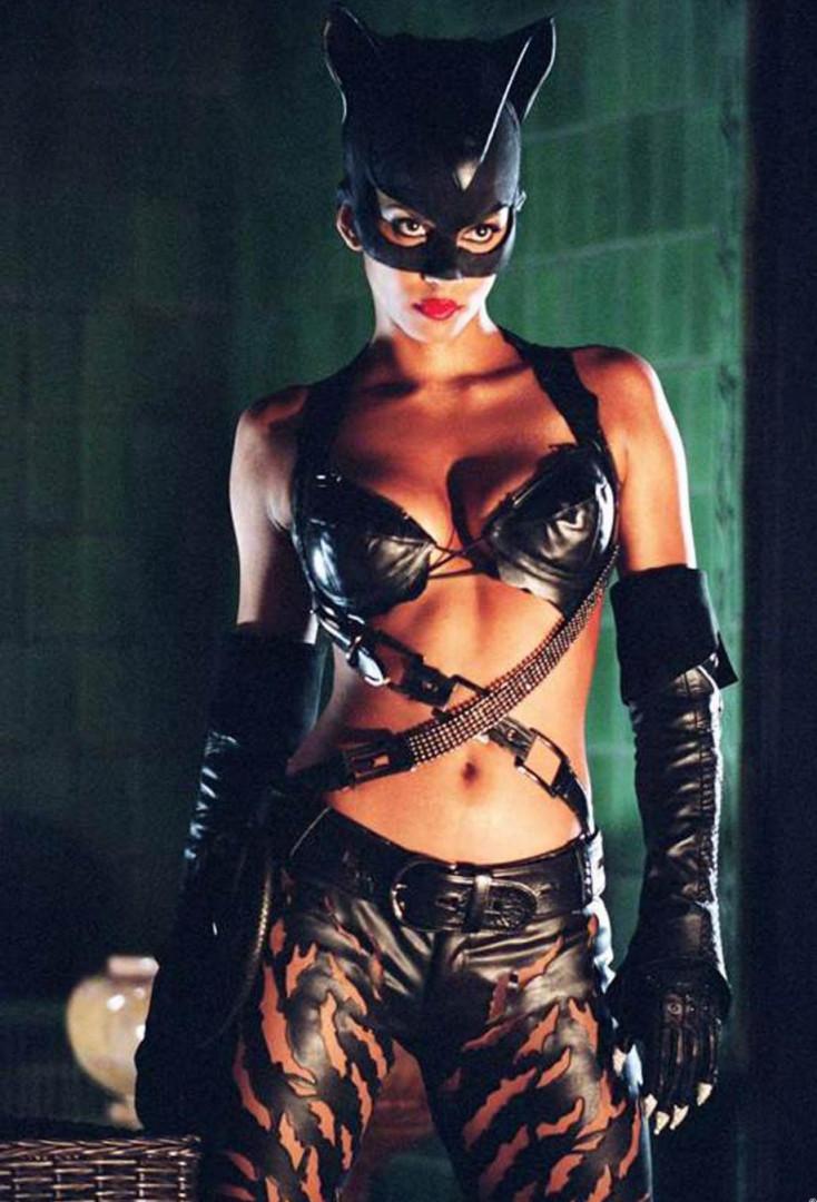 Catwoman a été joué par Halle Berry...