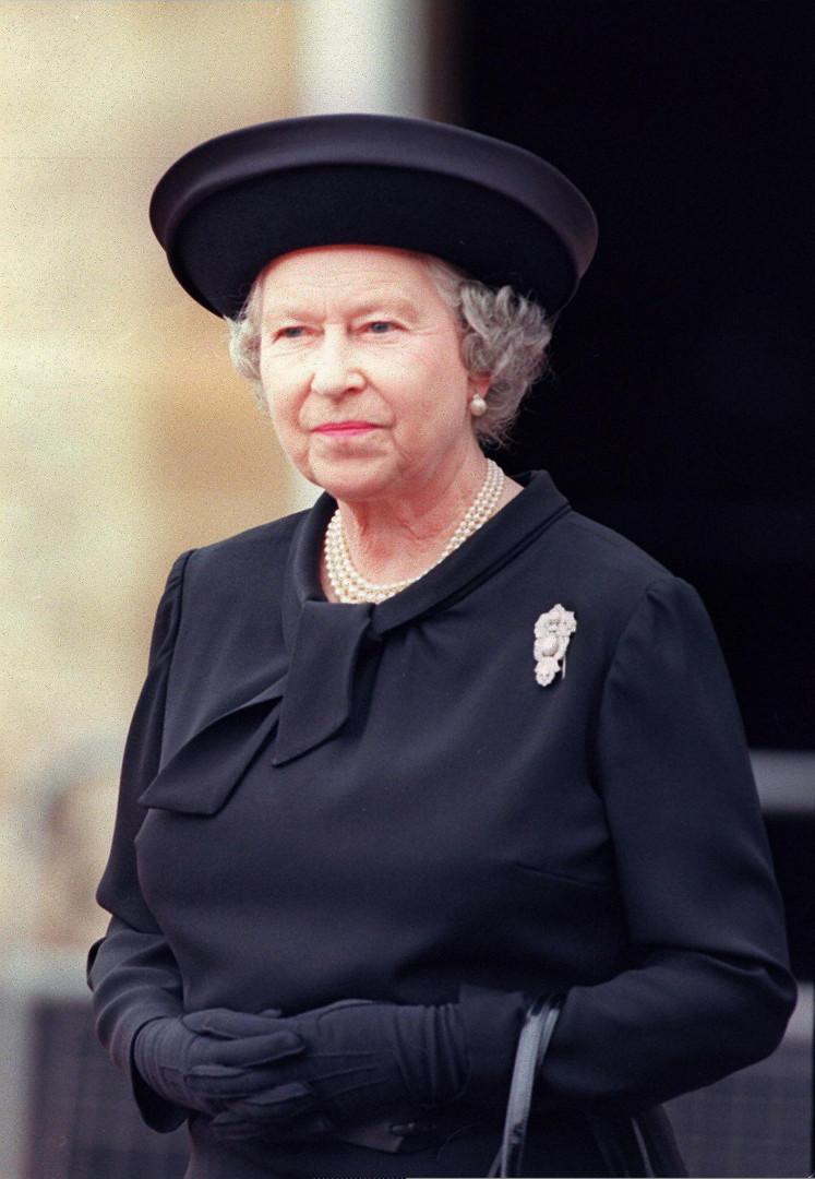 10. En 1997, Elizabeth II se rend aux obsèques de Diana à l'abbaye de Westminster