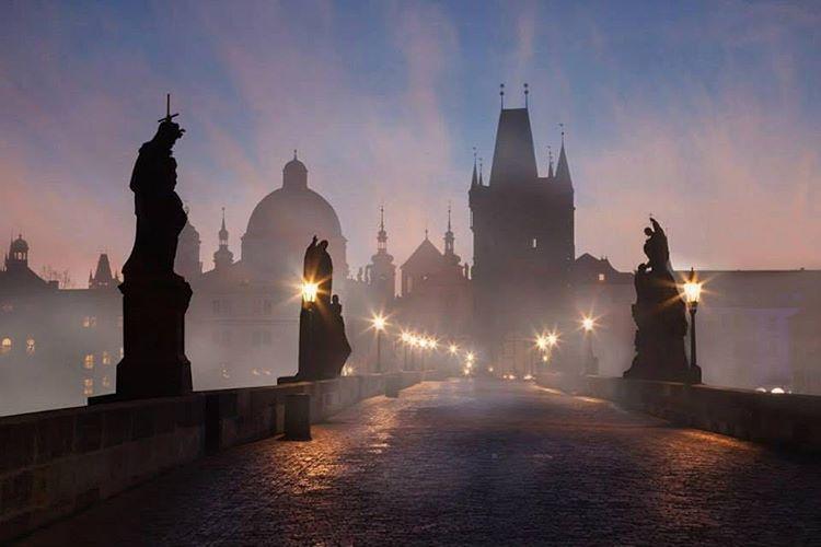 Le pont Charles de Prague, à ne manquer sous aucun prétexte
