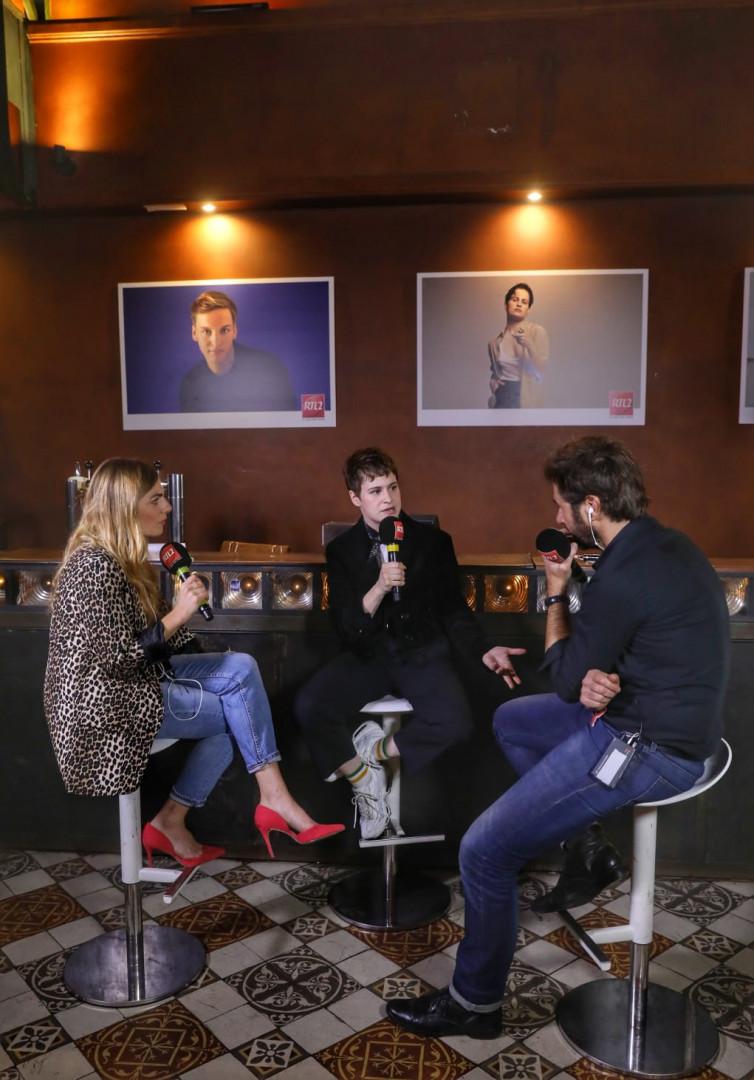 Christine and the Queens au micro d'Eric Jean Jean et Mathilde Courjeau dans #LeDriveRTL2 en direct du Pop-Rock Live au Trianon