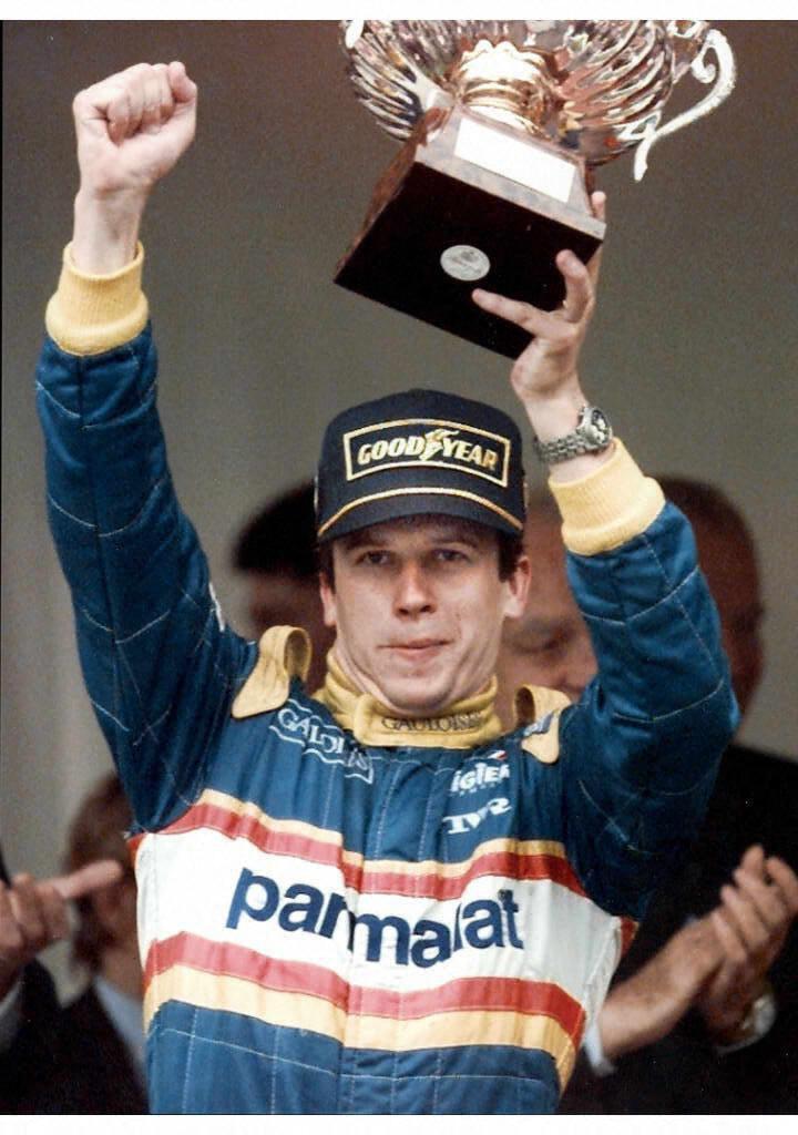 Olivier Panis après sa victoire au GP de Monaco en 1996.