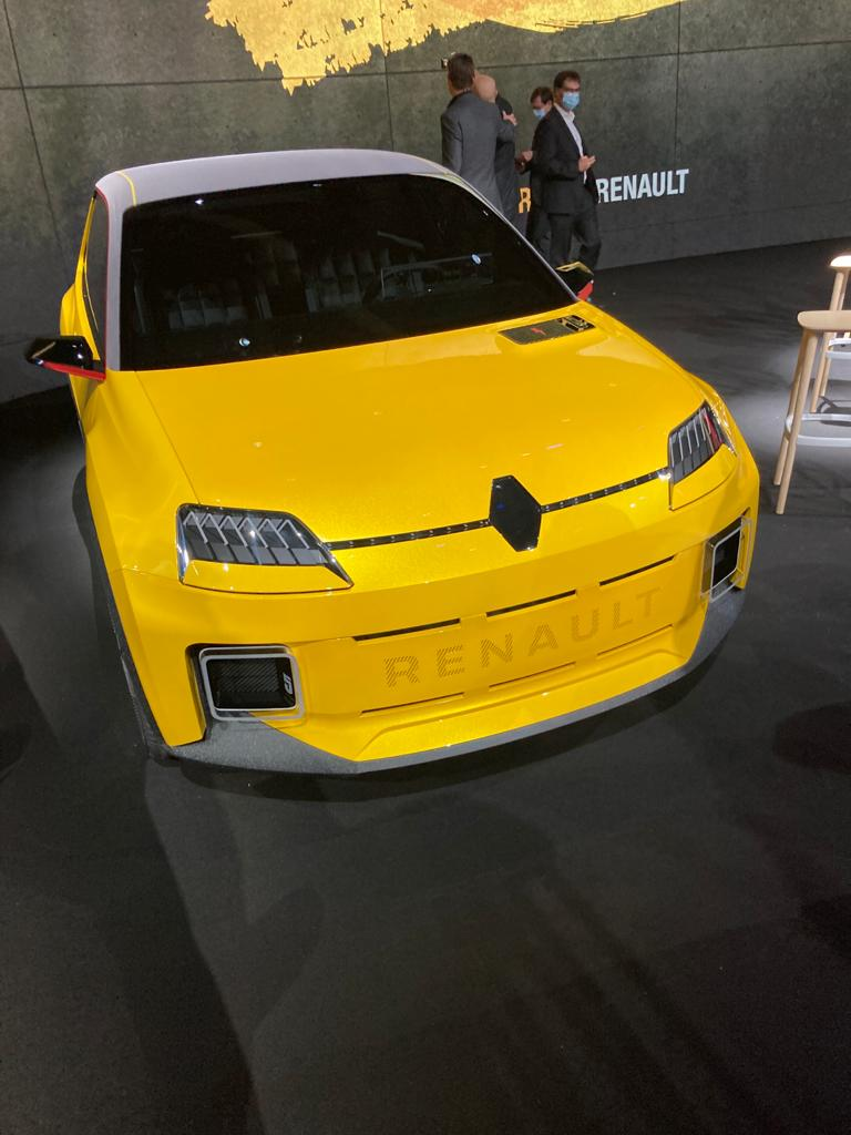 La nouvelle R5 électrique.
