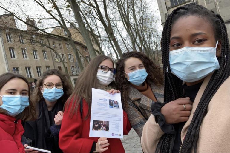 Les cinq étudiantes ont sillonné la ville pour tenter de trouver un commerçant-hôte pour le Frigo solidaire