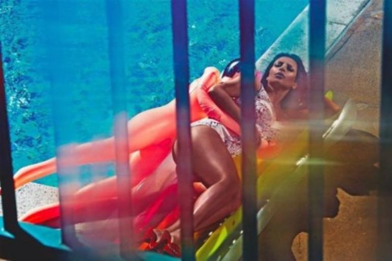 """Pour """"Love Magazine"""", Kim Kardashian apparait les fesses à l'air !"""