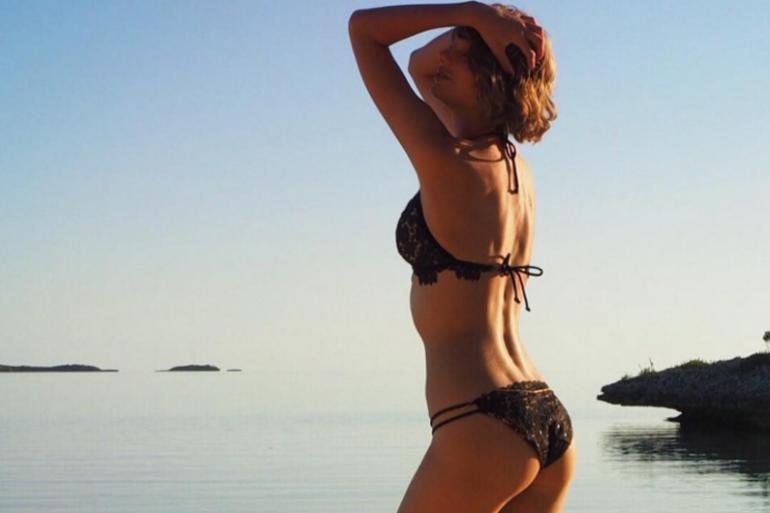 TayTay en bikini
