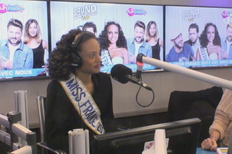 """Alicia Aylies répond aux questions de l'équipe de """"Bruno dans la radio"""""""
