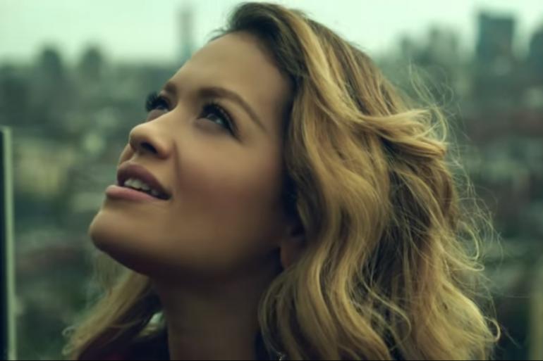 """Rita Ora dans son clip """"Anywhere"""""""