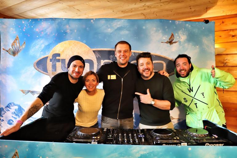 Armin Van Buuren et l'équipe de Bruno dans la Radio