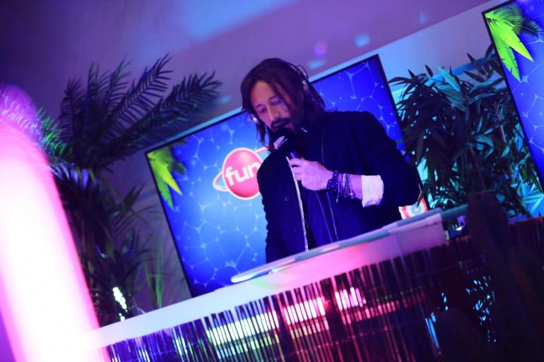 Bob Sinclar mixe pour le Party Fun Live - Fête de la musique