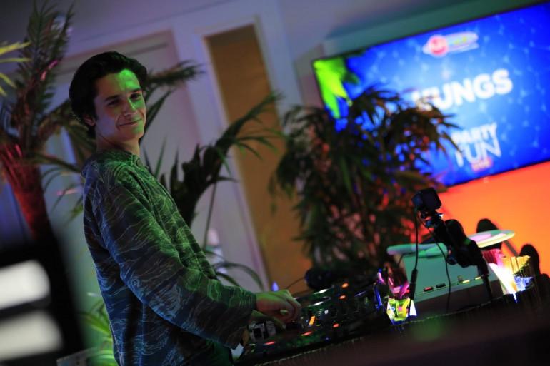 Kungs mixe pour le Party Fun Live - Fête de la musique