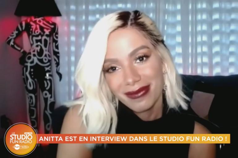 Anitta en interview sur Fun Radio