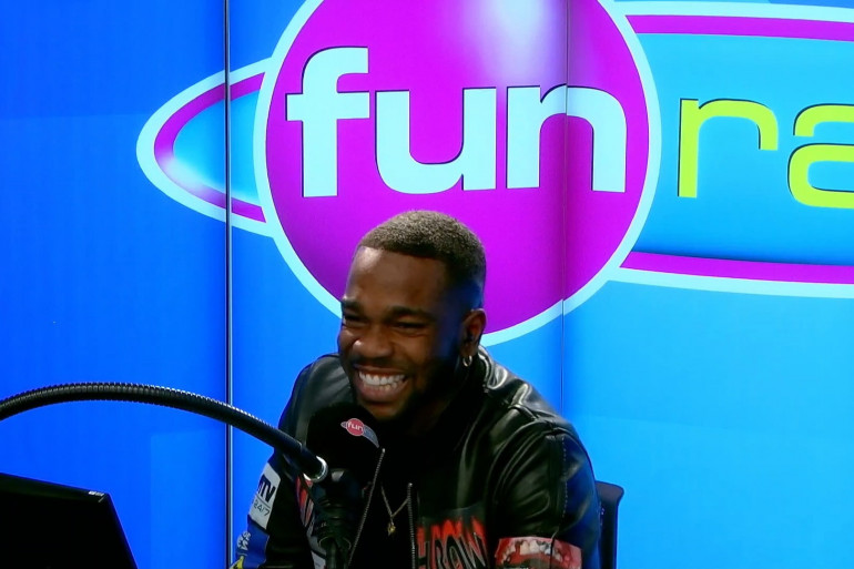 Tayc en interview et en live dans Le Studio Fun Radio