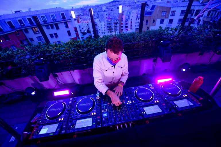 Alex Wat en mix au Generator, à Paris