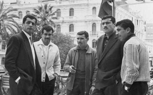 Mustapha Zitouni (tout à gauche), Kadour Bekhloufi, Abdelaziz Ben Tifour, Abderramane Boubekeur et Amar Rouaï