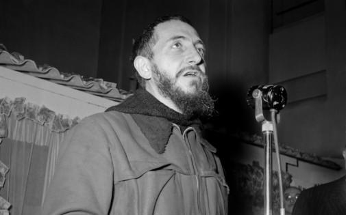 L'abbé Pierre lance son appel le 1er février 1954 à Radio-Luxembourg.