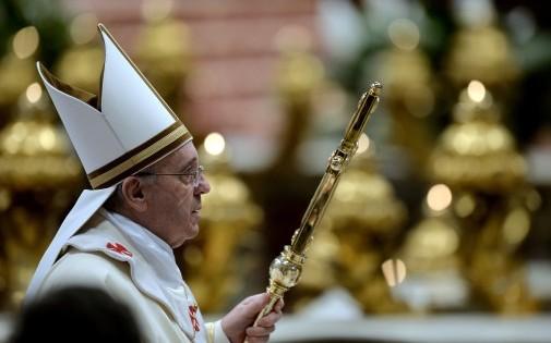 Le pape François célèbre la messe le dimanche 2 février dans la Basilique Saint-Pierre