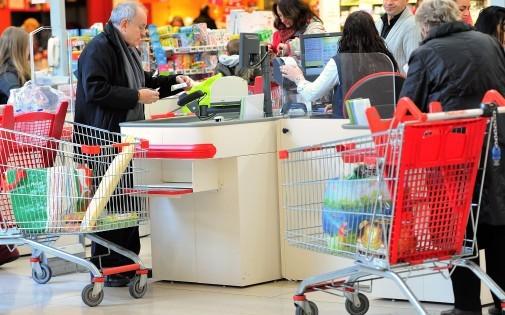 La caisse d'un magasin Auchan à Faches-Thumesnil (Illustration)