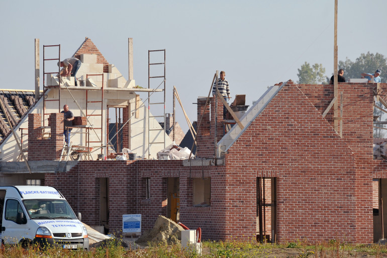 Un chantier de construction à Estaires dans le Nord, le 29 septembre 2011.