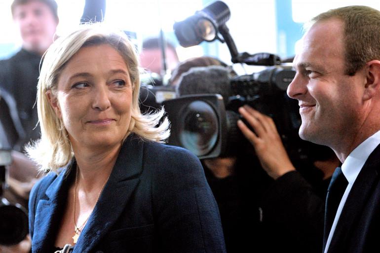 La présidente du Front national, Marine Le Pen et le candidat frontiste à Hénin-Beaumont, Steeve Briois le 17 juin 2012 (Archives).