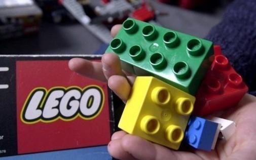 Des jouets Lego