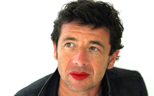 """Patrick Burle participe à la campagne """"Mettez du rouge"""" contre les violences aux femmes."""